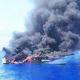 Rescaten a 3 homes d'un vaixell de Peníscola afonat pel foc
