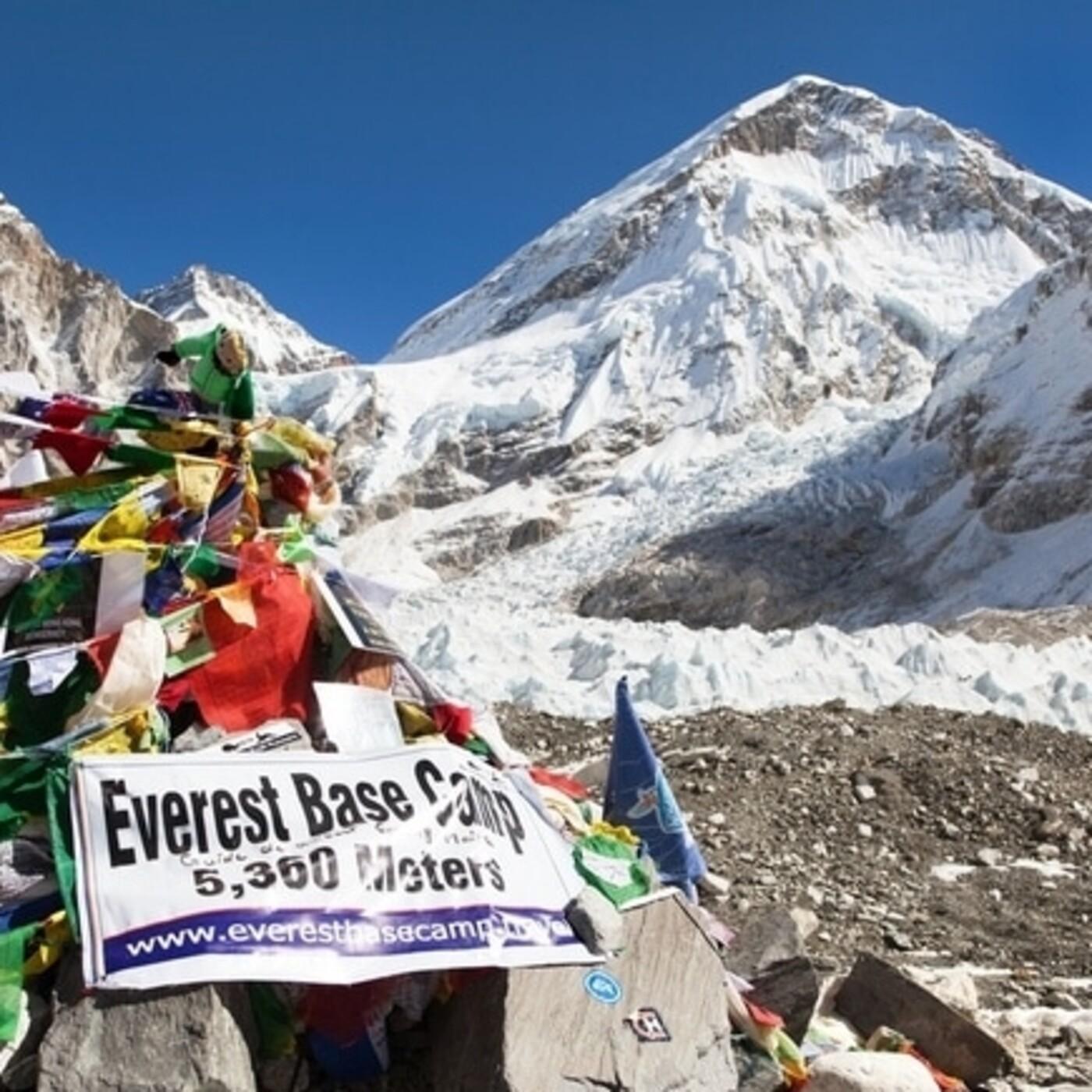 40.- Mochileros haciendo trekking por Nepal (con Jose Novo).