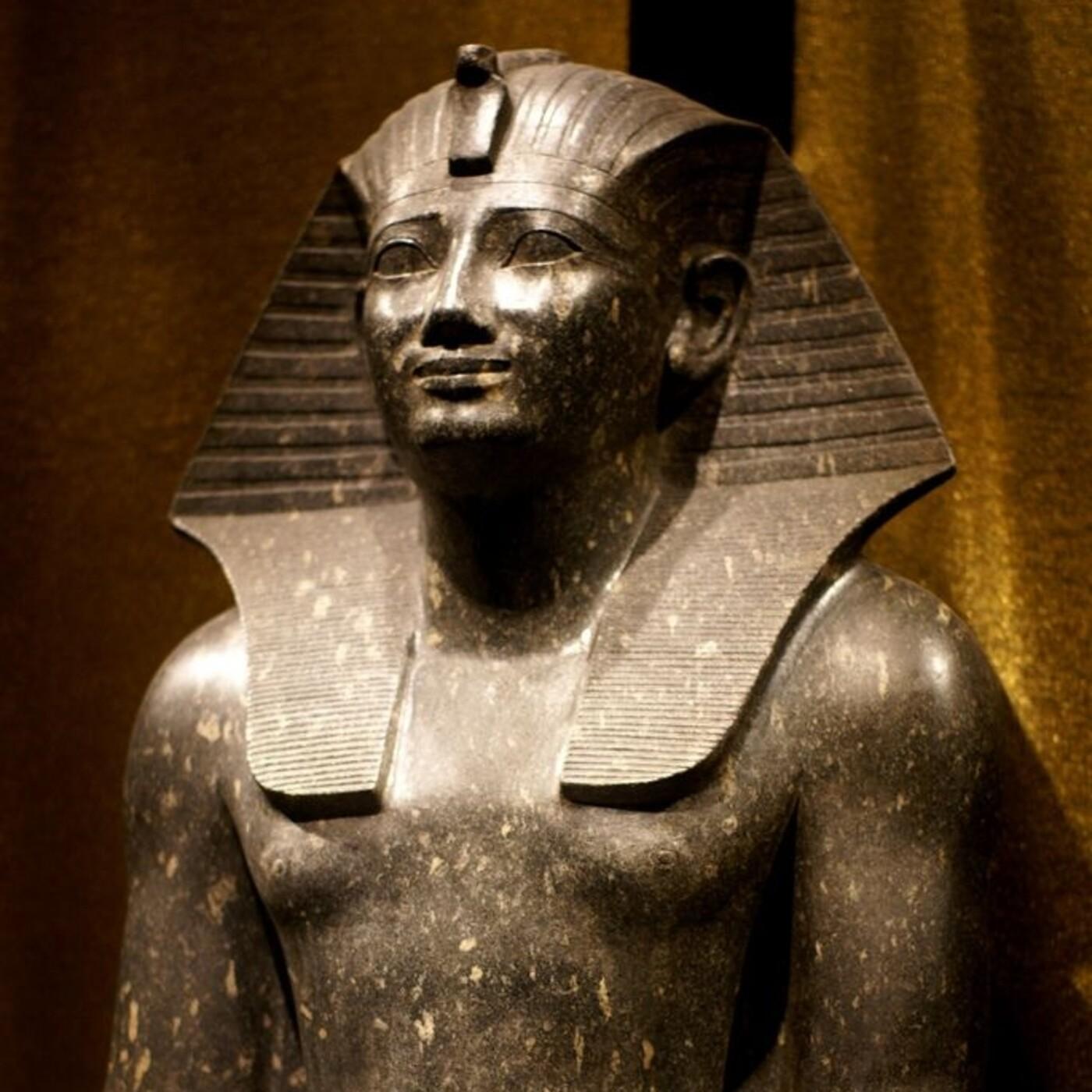 Momias, quitando la venda: La Dama Joven · El faraón de las cataratas