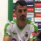 Presentación de Álex García como nuevo jugador del Racing