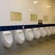 Mi primera vez gay en los lavabos de Universidad