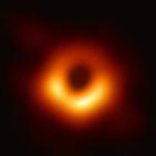 La imagen del agujero negro: un logro histórico que haría las delicias de Einstein y Hawking