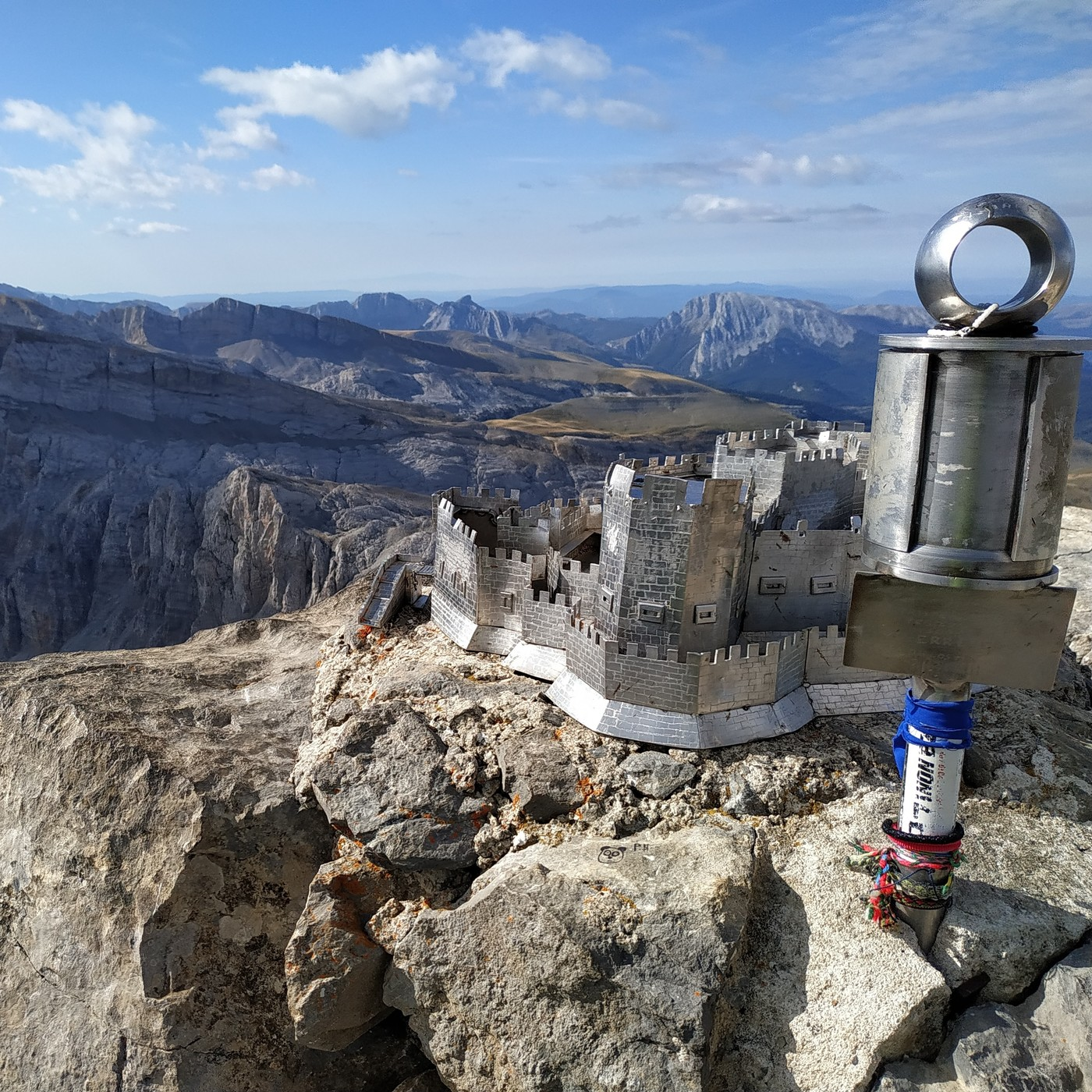 35.- Mochileros en la Ruta de las golondrias en el Pirineo navarro - 1a parte (con Santi G.y Javi R.)