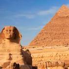 """ENIGMAS DE LA HISTORIA: Carlos """"el Cabezudo"""", ataúdes en miniatura y la Pirámide de Keops"""