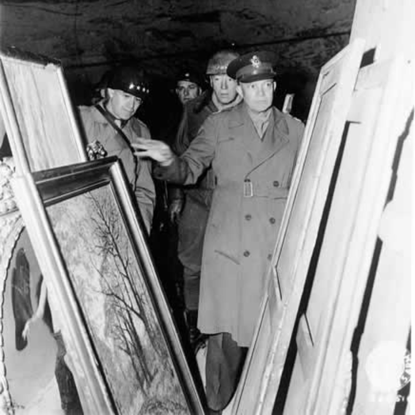 Anécdotas de la Segunda Guerra Mundial en La Noche de Adolfo Arjona: El expolio de las obras de arte