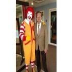 Ronald McDonald; con Nino Canún. 31-oct-13