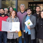 Declaraciones Anabel Burgos, alcaldesa de El Viso del Alcor en entrega firmas por una línea de autobuses para la comarca