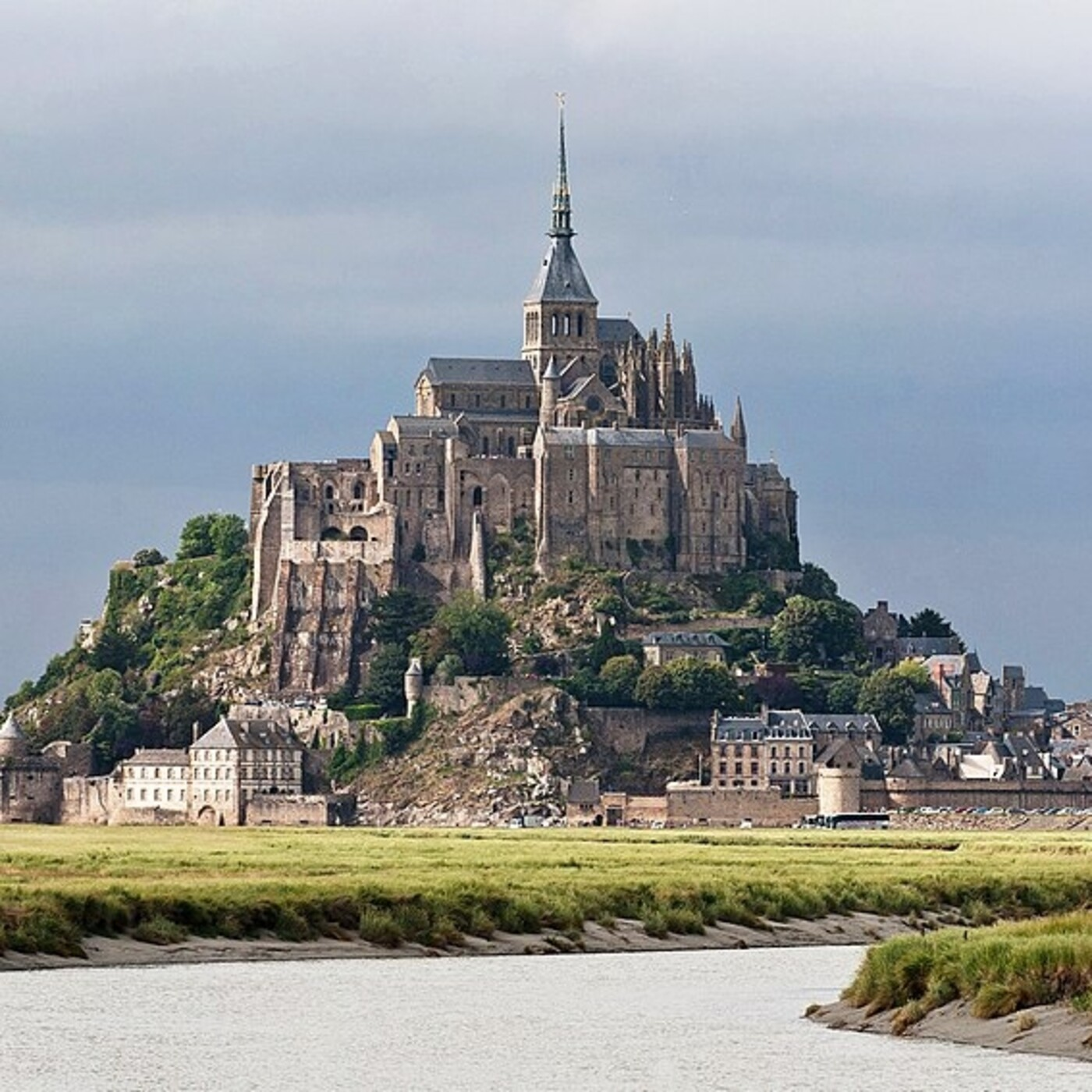 Monumentos de la Antiguedad: El Mont Saint-Michel · La gran muralla china