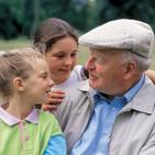 Conversando con el abuelo