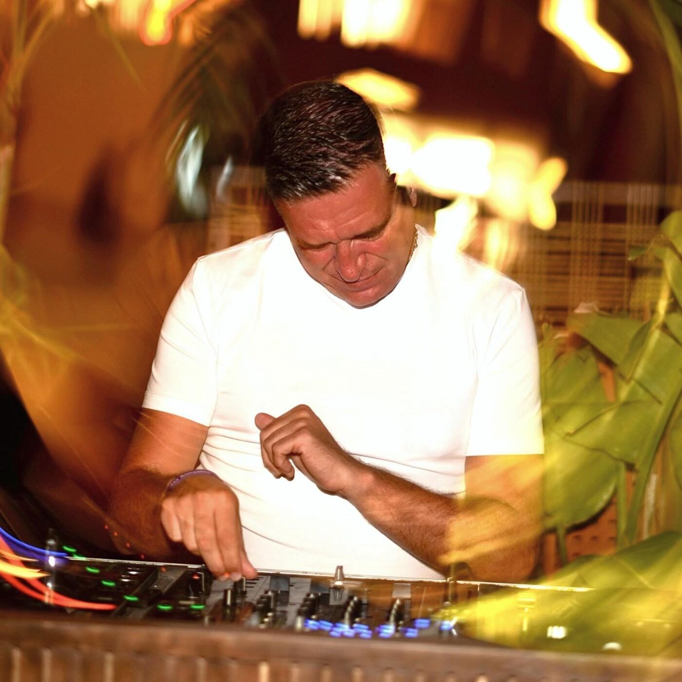 JOSÉ PADILLA TRIBUTE - Mixed & Curated by Jordi Carreras (Adios Ayer Mix)